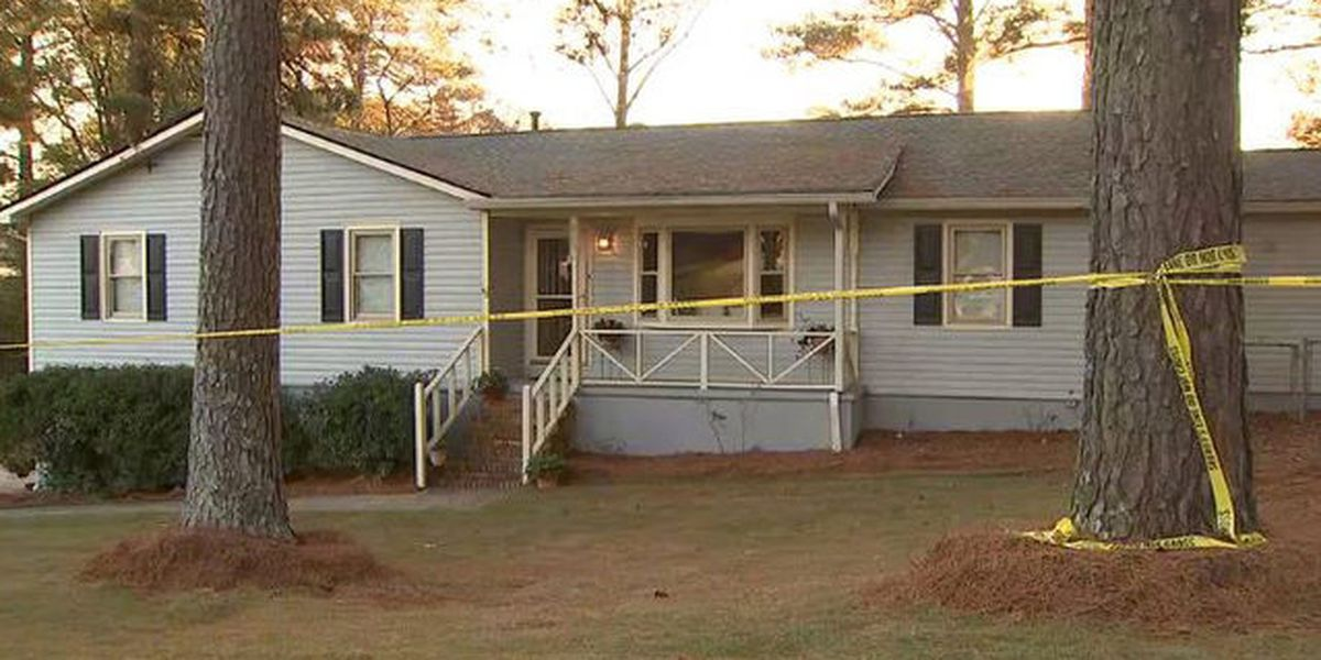 Pastor protects wife, daughters, shoots home invader