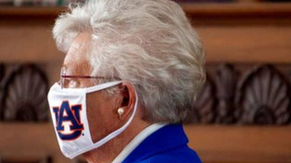 Coronavirus: Huntsville restaurant bans governor, state officials over mask orders