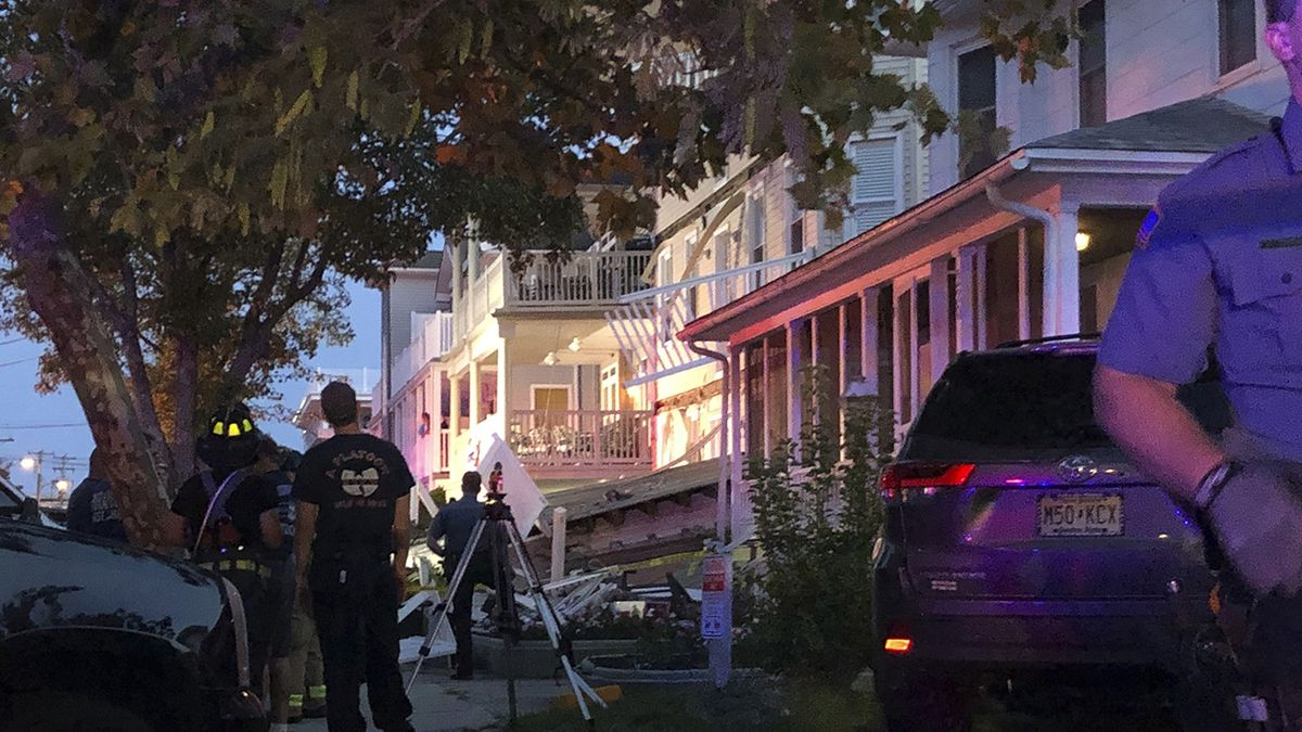 New Jersey deck collapse: 3 in trauma, 21 treated and released from hospital