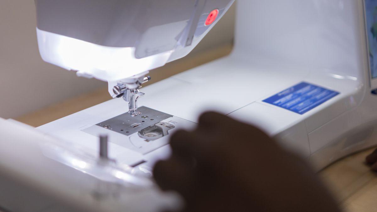 Coronavirus: Tennessee grandmother working to supply masks to inmates
