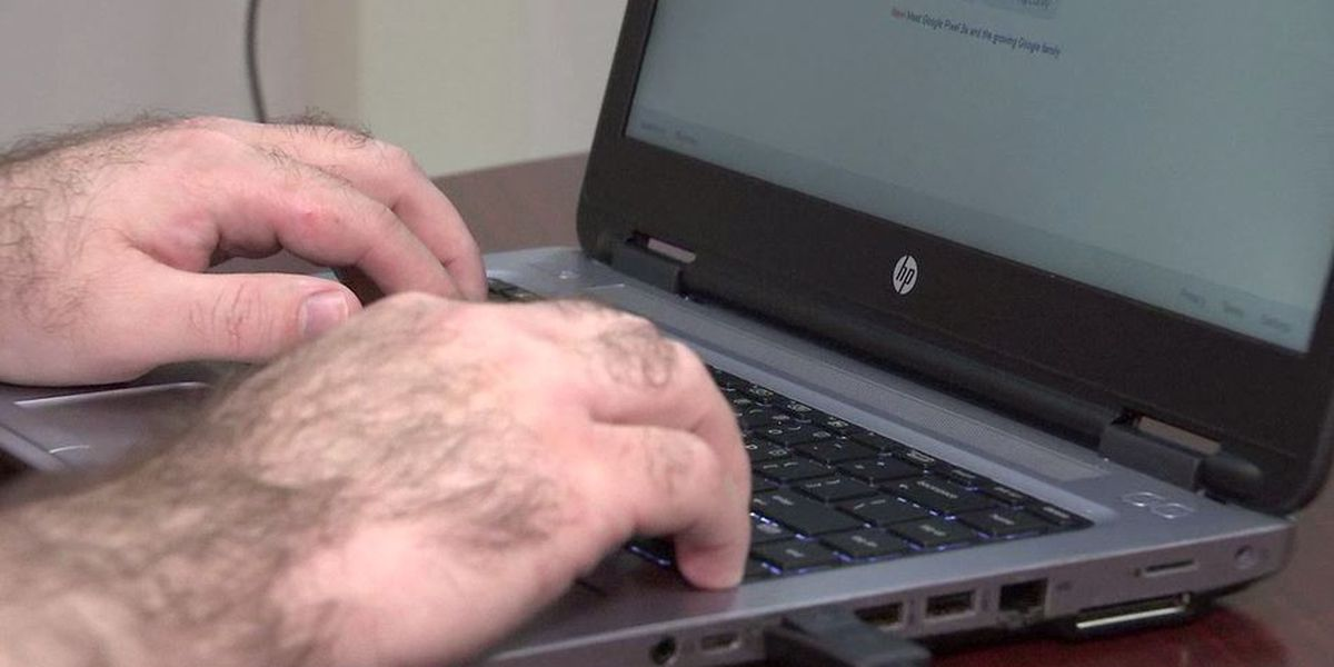 Blind Navy vet sues 120+ local governments, businesses over websites