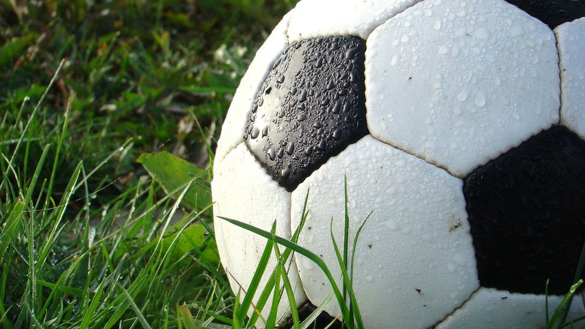3 teen soccer teammates fatally hit by car while walking to bus stop, police say