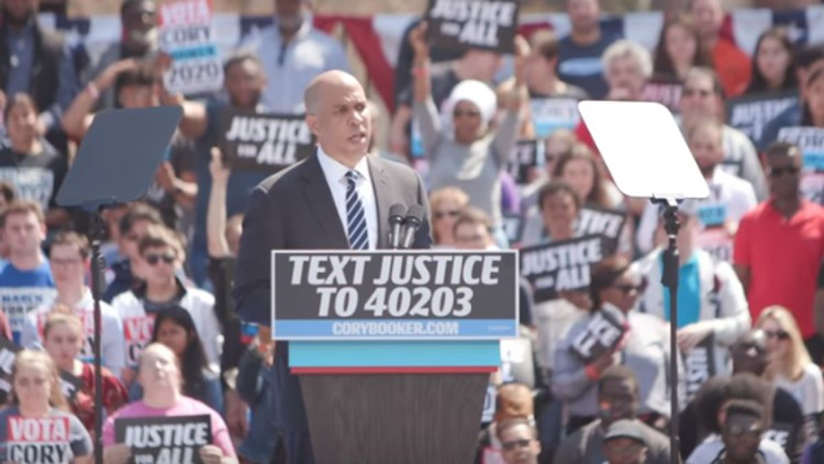 Three weeks before Iowa Caucuses, Booker drops out