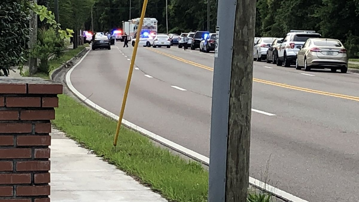 JSO: Police shoot woman who cut JSO officer with butcher knife