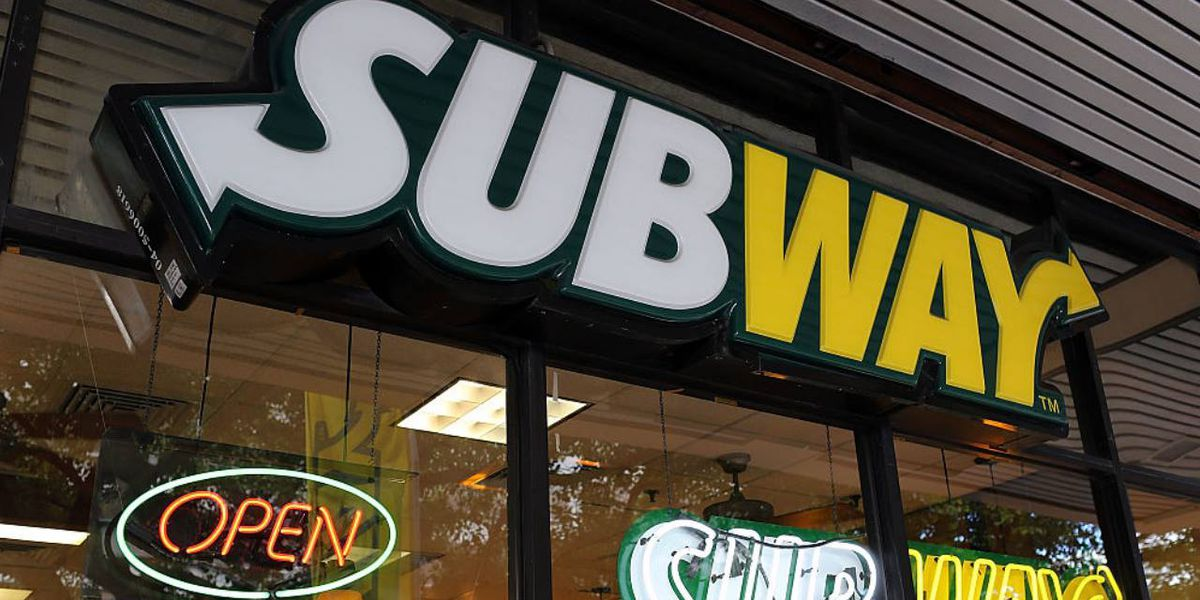 Subway employee in Charlotte says man punched her in mouth during transaction