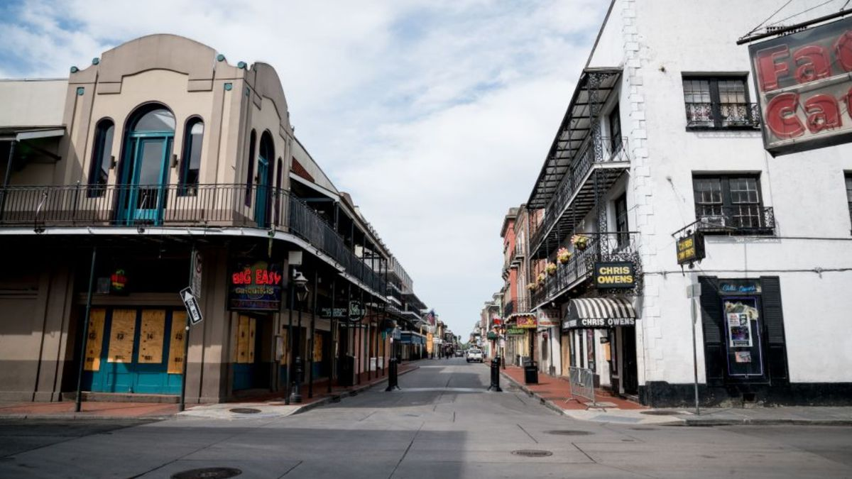 2 New Orleans police officers wounded in French Quarter ambush