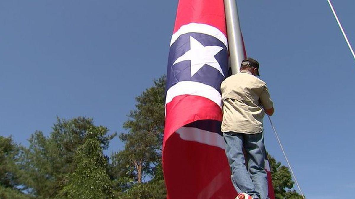 Massive Confederate flag raised over North Carolina highway