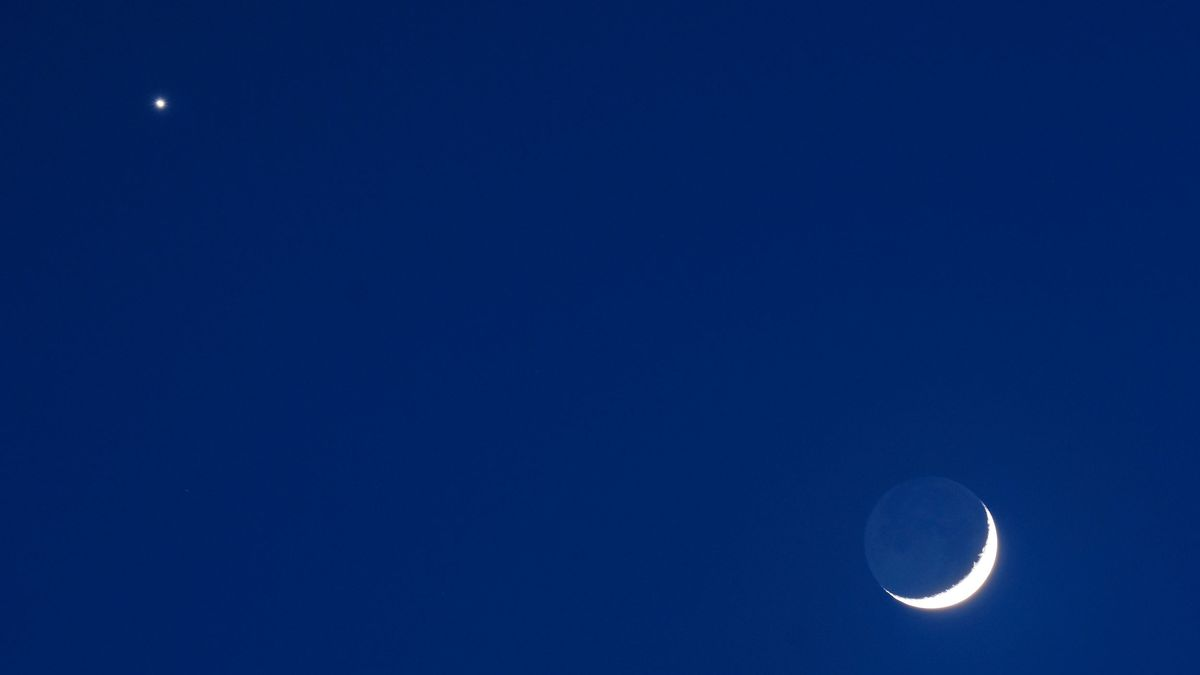 Simma Sky: Chasing Asteroids & Dancing Venus