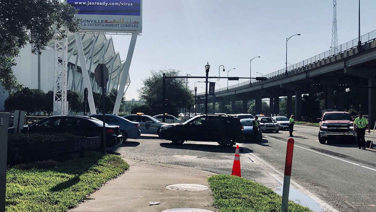 Over 600 cars in line at Lot J for COVID-19 testing
